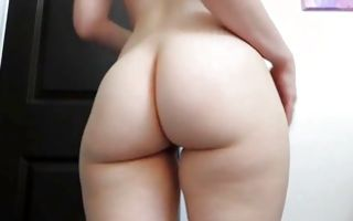 Charming amateur brunette demonstrating her big booty