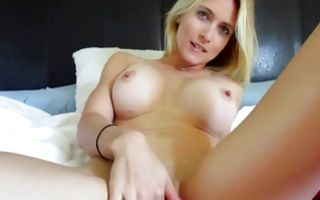 Naughty blonde gf with fake tits gets orgasms in homemade xxx
