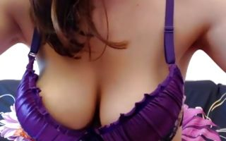 Young brunette with big tits poses nicely in homemade xxx video