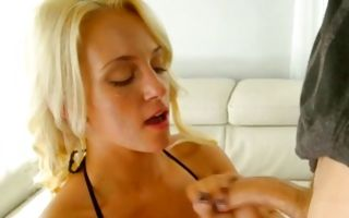 Gorgeous girlfriend swallowing cock before painful sex